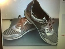 UN United Nude womens sneakers size 36 ( US size 6) New steel/stone #140166
