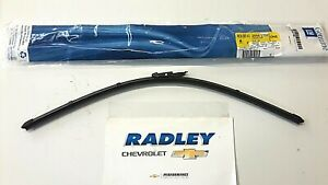 NEW OEM GM 11-16 GMC Acadia Buick Enclave LH Driver Side Wiper Blade 20945799