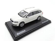 Skoda Octavia III Kombi Modellauto Miniatur 1:43 Candy-Weiß MVF43-803