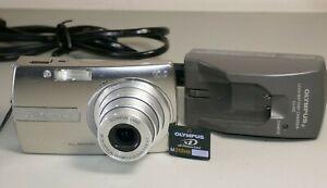 Olympus Stylus 1000 10.0MP All-Weather Digital Camera - Silver Good W/ 512mb XD