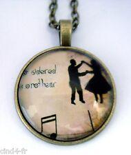 Médaillon vintage +chaine bronze /Medallion with chain necklace - Music, danse
