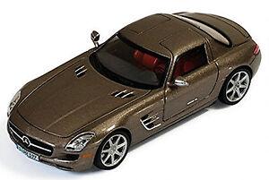 Mercedes Benz SLS Coupé 6.3 AMG C197-2010 Monza Gris Magno Metálico 1:43 Ixo