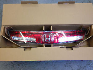 GENUINE HONDA CIVIC 5 DOOR REAR CENTRE LIGHT PANEL 2009-2011 MODELS