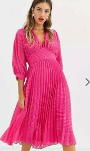Beautiful ASOS pleated batwing midi dress in Chevron Dobby in Hot Pink Size AU10