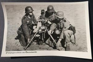 AK Foto Wehrmacht Panzergrenadiere am Ganatwerfer