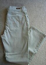 Gloria Vanderbilt Amanda Beige / Lt.Tan Slimming Jeans - 8 Regular/Medium
