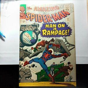 The Amazing Spiderman #32  6.5