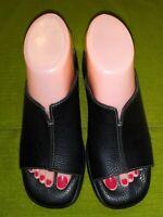 Minnetonka Womens Black Casual Slide Mule Shoes size 7 leather 5620