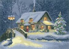 Heritage Crafts Cross Stitch Kit - Christmas Cottage (Evenweave)