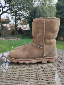 Ugg Essential Short Boots. Olive Green Colour. UK Size 9