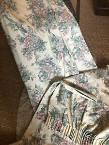 LOVELY DELICATE FLORAL SPRAY DESIGN PAIR OF CURTAINS 64X70INCHES DROP EACH = 128
