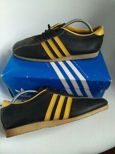 Adidas vintage men's trainers Size 9 Black Retro 70s sport rubber sole