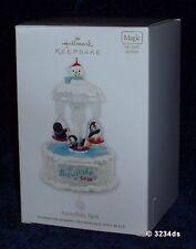 2012 Hallmark SNOWFLAKE SPIN Light Sound Motion MAGIC Penguins REVEAL Ornament