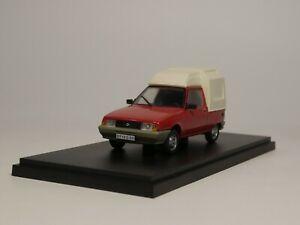 De Agostini 1:43 OLTENA 12CS PICK UP Diecast model car