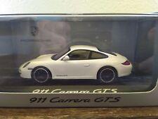 Porsche 911 Carrera GTS 1:43 Minichamps