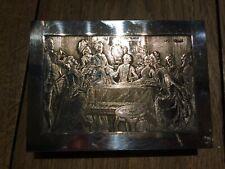 tres belle boite  en métal argenté  par b wicker la partie de cartes au 18 eme S