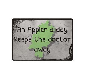 """Schild Hinweisschild Hinweis """"An Äppler a day keeps the doctor away"""" Spruch Fun"""