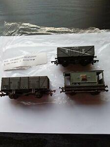 Model Railways OO GAUGE - 2 Open Wagons +Brake Van N & NE no boxes