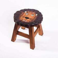 Robuster Kinderhocker / Kinderstuhl massiv aus Holz mit Tiermotiv Löwe
