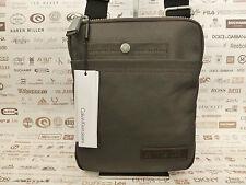 Calvin Klein SLIM BODY BAG chb0 Borse a tracolla iPad / Tablet Custodia Bnwt Rrp £ 80