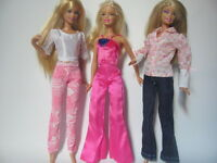 lot barbie doll clothes dresses accessories 3 outfits 3 hangers 3 shoes 7 New