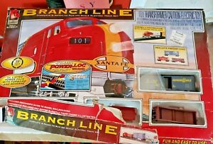Life Like Branch Line Santa Fe HO Scale Electronic Train Set New incomplete