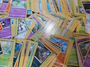 50 GENUINE RANDOM POKEMON CARDS BUNDLE INCLUDES HOLOS AND RARES