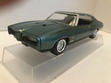 1/25 MPC 1969 PONTIAC GTO PAINTED AS JUDGE ORIGINALLY DYNO RACER (PROMO BODY)