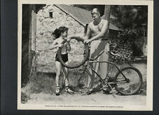 SONNY TUFTS + BOY REPAIR BICYCLE TIRE - 1946 CANDID IN EXC- COND - SWELL GUY