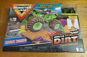 Monster Jam Grave Digger Monster Dirt Deluxe Set NEW True Metal Kinetic Sand