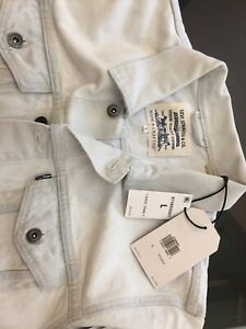 LEVI'S MADE & CRAFTED ( LIGHT BLUE/ WHITE ) TRUCKER JEAN JACKET. SIZE - L.
