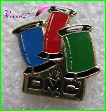 Pin's 3 Bobines de fil à coudre DMC Couleur Bleu rouge vert #843