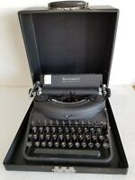 Remington Noiseless Model 7 Typewriter S/N H70121 Mid 1940's w Case & Key Exlnt