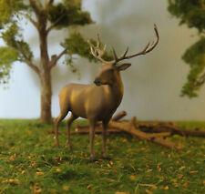 (Spur 0 ) Hirsch ca. H 4,4 cm bemalte Figur Tier Varinate 1 (1:45)