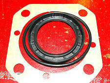 MGA,MGB (banjo axle), MAGNETTE etc; rear hub/halfshaft seal set.