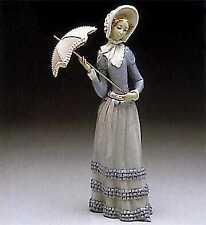 Lladro #4879 Aranjuez Little Lady Excellent Condition