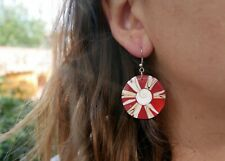 Boucles d/'oreilles en coquillage rouge et oeil de Sainte-Lucie bijou Bali