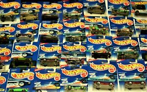 HOT WHEELS DIE CAST CARS LOT OF 30 PCS ON CARDS AGE VARY #1