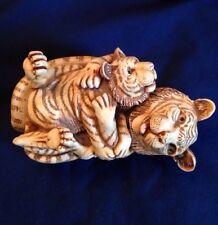 Harmony-Kingdom-Of-The-Sa me-Stripe-Mother Tiger and cub Trinket Ring Box