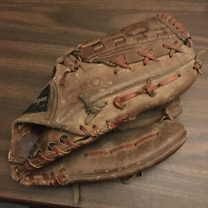 MacGregor Willie Mays Autograph Model 740 Baseball Glove RHT