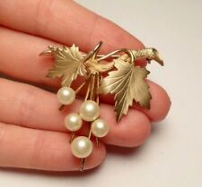 c53b049fd95 VINTAGE RICHELIEU PEARL GORGEOUS VINE LEAF GOLD TONE BROOCH PIN COSTUME  JEWELRY