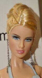 DARIA ~ Model of the Moment ~ CELEBUTANTE DOLL ~ 2004 Mattel #C3820