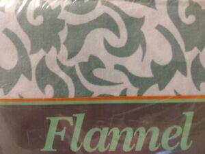 VINTAGE NEW CAL KING COTTON - 4 Piece Flannel Sheet Set, DIVATEX, SWIRLS Pattern