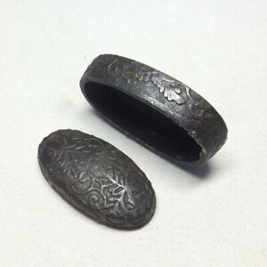 D0863: Real old FUCHI and KASHIRA for Japanese sword with good flower pattern