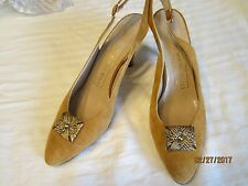 Bruno Magli Ladies Slingback Kitty Heels Size 7 1/2 AA Peach Color Pre Owned