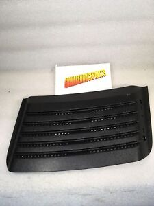 2007-2010 SILVERADO 2500HD BLACK DURAMAX HOOD LOUVER VENT NEW GM #  15264431