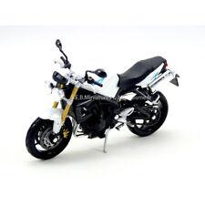 Moto Triumph Street Triple blanche 1/18