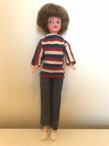 sindy teenage doll perfect condition with genuine outfit