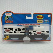 THOMAS THE TRAIN & FRIENDS - SODOR DAIRY CARS WITH COLLECTOR CARD *NEW BOX 2006*