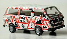 VW T3 Bus Attention Stamped With Traffic Signs 1979-92 1:87 Herpa 181150